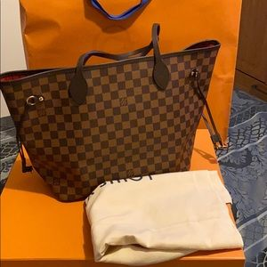 Neverfull Mm  authentic only use a few times
